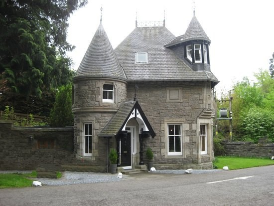 Gate lodge of Atholl Palace