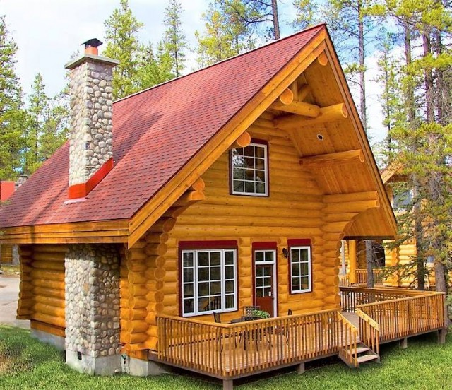 Canadian Log Home