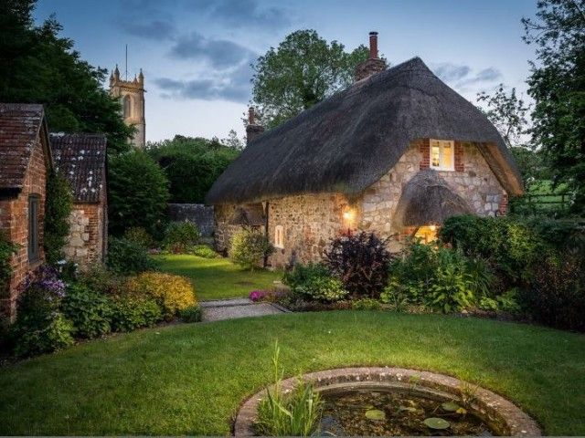 Countryside cottage in Wiltshire, England