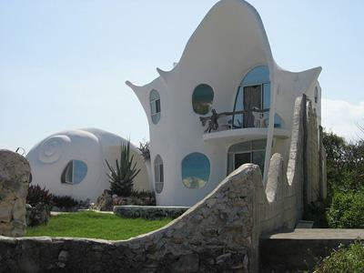 the Caracol house in Isla Mujeres