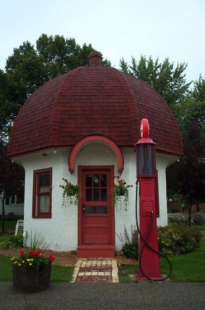 The Mushroom Building is a vintage gas station