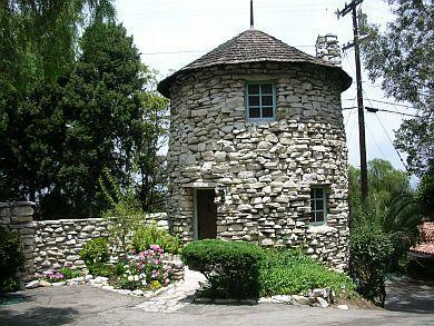 Mirlo Gate Lodge Tower in California