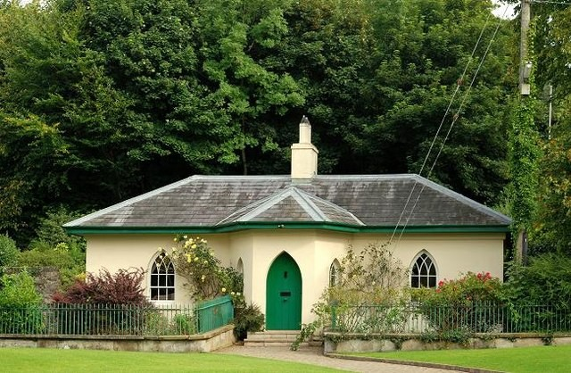 Gate lodge, Saintfield The Town Lodge, built circa 1820, in Comber Street, is one of the demesne gate lodges.