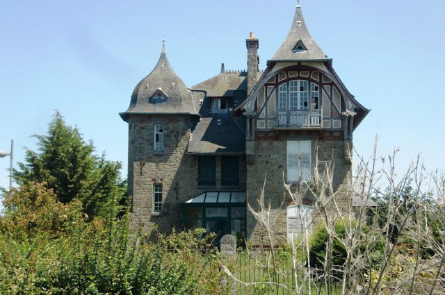 House in St Jouan les Guérets, Brittany