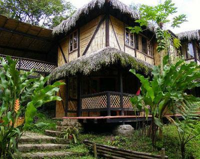 Eco-lodge in Maquipucunaa een nevelwoud reservaat in Ecuador