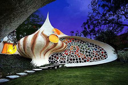 Seashell house outside