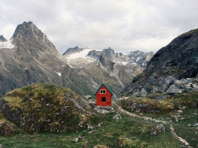Red cabin in the highlands