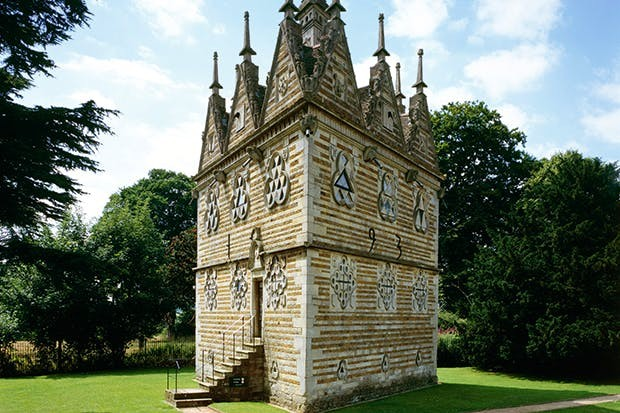 De Triangular Lodge in Northamptonshire