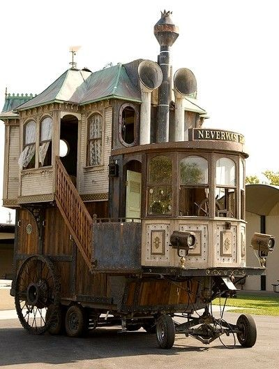 Steampunk house on wheels 2