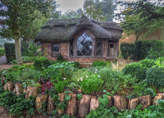 Tiny cottage in Charlecote Park in Warwickshire, England