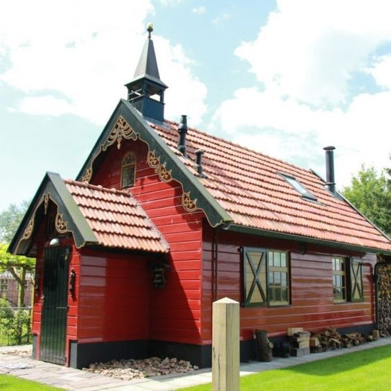 Smallest wooden church in Steggerda